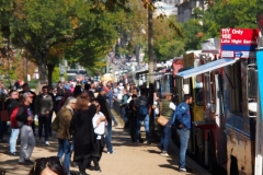 Streetlife mit jeder Menge Foodtrucks