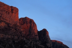 die Felsen glühen rot in der Abendsonne