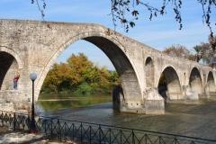 die Steinbrücke in Arta