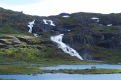 einer der unzähligen Wasserfälle auf dem Fjell