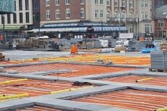 neue Rohre für die Fußbodenheizung am Marktplatz